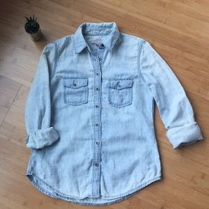 Banana Republic chambray denim long sleeved shirt